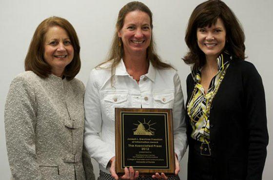 AP's Martha Mendoza (center) with Brechner Center Executive Director Sandra F. Chance and Dean Diane McFarlin.